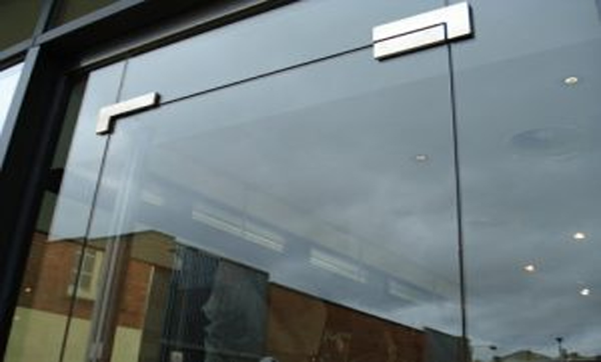 TOUGHENED GLASS IN MANCHESTER