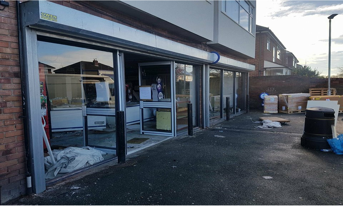 Shop Fronts in Greenwich, Shop Front in Greenwich, Shop Fronts Installer in Greenwich, Shop Fronts Installation in Greenwich